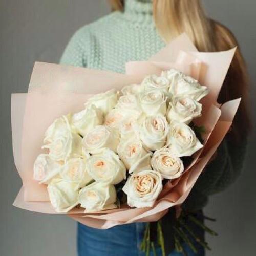 Купить на заказ Букет из 31 белой розы с доставкой в Аксу