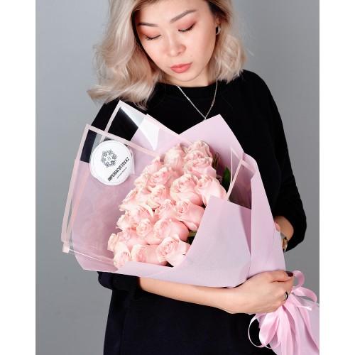 Купить на заказ Букет из 25 розовых роз с доставкой в Аксу