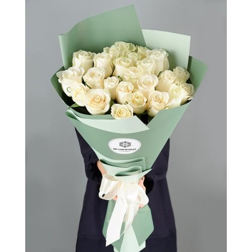 Купить на заказ Букет из 25 белых роз с доставкой в Аксу